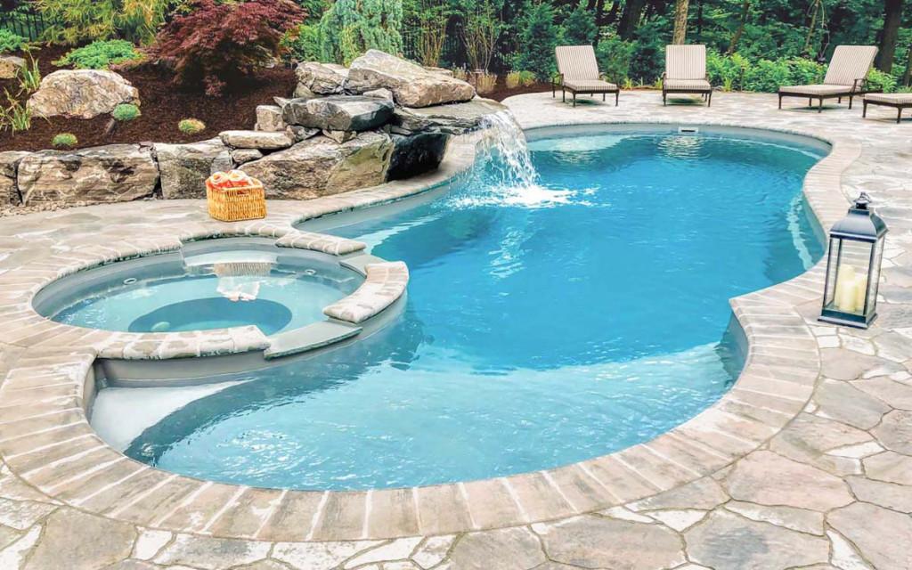 أساليب تنظيف حمامات السباحة