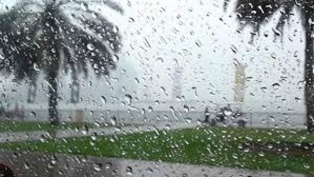 مطر ينهمر فيرفع المعنويات