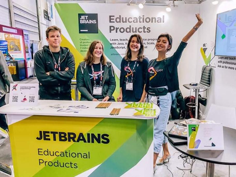 موقع لتعلم البرمجة من jetbrain مع الأمثلة